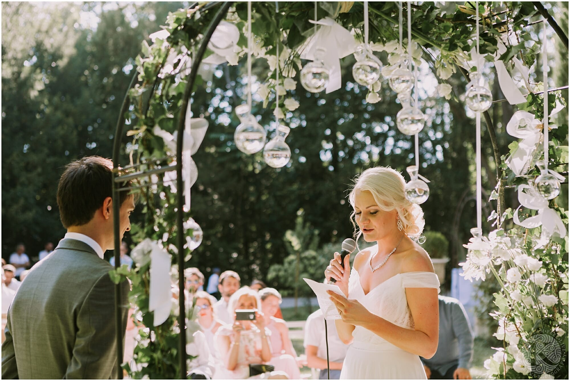 Kateryna-photos-photographe-mariage-chateau-des-3-fontaines-provence-avignon-vaucluse-sud_0051.jpg